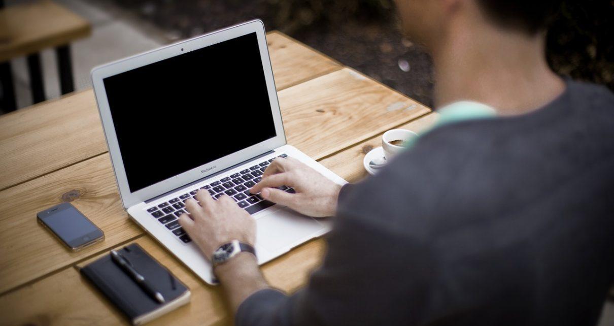 Dlaczego warto korzystać z wirtualnego biura?