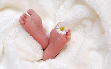 Przygotowanie ubranek dla noworodka