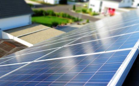 W jaki sposób obniżyć bez wyrzeczeń rachunki za prąd?